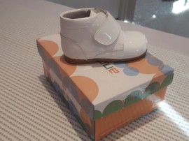 Andanines Boys White Patent Shoe Boots