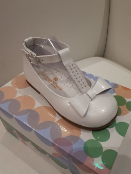 Andanines Diamante T-Bar Shoes (come in white and pink)