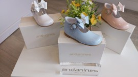 Andanines high back diamante bow shoes