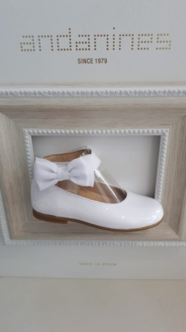 Andanines white side bow shoes